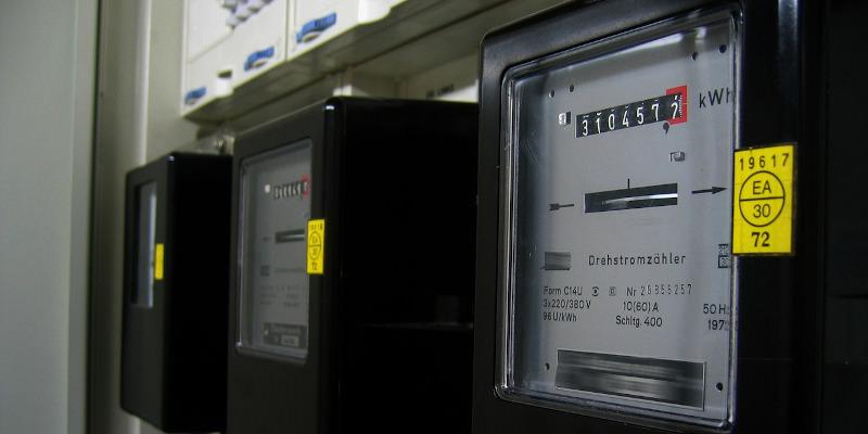 Legislație: În ce condiții se mai poate face plata energiei electrice la paușal