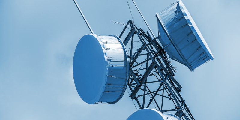 Revista presei – 2 iulie 2020: Proprietarul unui apartament obține evacuarea antenei unui operator de telefonie