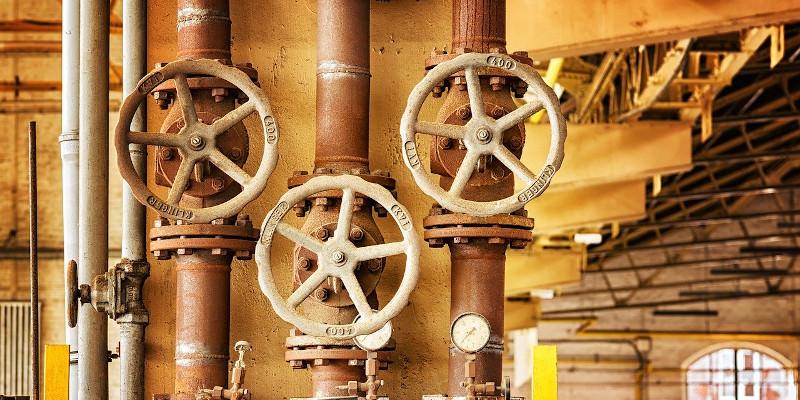 După ce i-a lăsat pe bucureșteni fără apă caldă, Termoenergetica anunță că le face reduceri la facturi