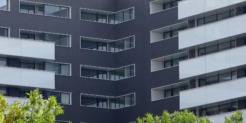 Mai puține autorizații de construire pentru clădiri rezidențiale față de anul trecut