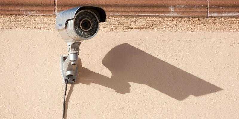 Camere video pe fiecare palier? Aveți nevoie de acordul fiecărui proprietar de pe etaj!