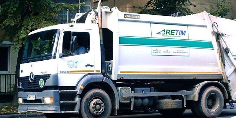 FALT: Operatorii de salubritate au obligația de a spăla pubelele