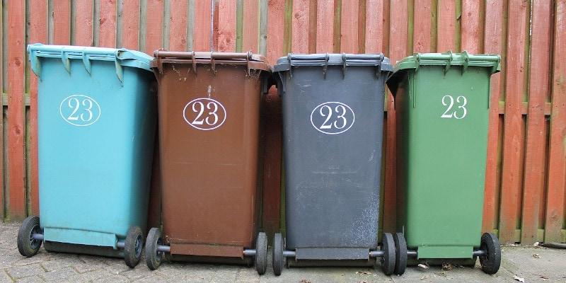Revista presei – 11 februarie 2021: Asociațiile din Oradea refuză noile contracte pentru ridicarea gunoiului