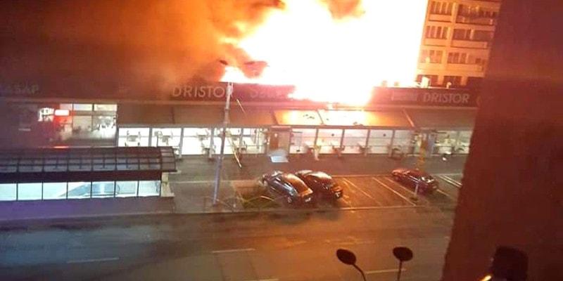 Revista presei 29 aprilie: Incendiul de la shaormeria Dristor Kebap putea provoca o tragedie la blocurile vecine