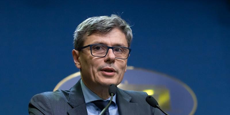 Virgil Popescu exclude scumpirile de 100% la gaze. Ce spune despre centralele de apartament